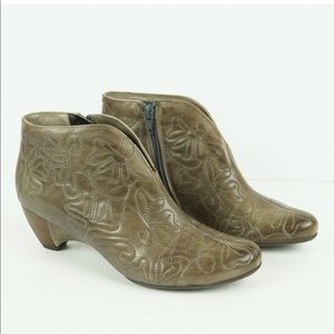 Pikolinos Ginebra Quilted Leather Floral Boot 6 36